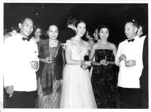 Solberg cocktail, Oct. 1956: (Unknown Indonesian), Fie Gontha, Eloise, Bobbi Killmer, unknown German doctor