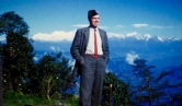 Darjeeling: George in front of Everest